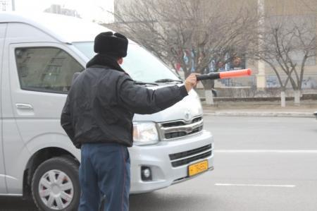 В Актау сотрудники полиции за один день взыскали более 320 тысяч тенге с нарушителей ПДД