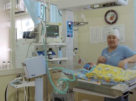 Областной перинатальный центр получил медицинское оборудование от фонда «Аяла»