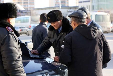 Административная полиция Актау: Водители, оплатившие штрафы за нарушения ПДД, должны автоматически удаляться из базы розыска