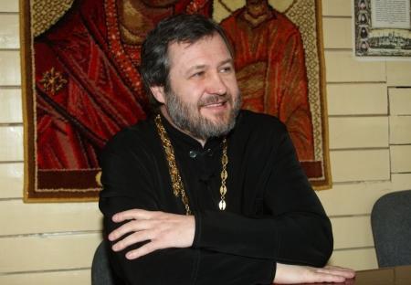 Настоятель актауской Благовещенской церкви ответил на вопросы читателей