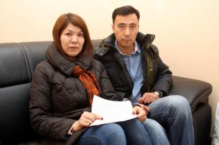 Стюардесса не пустила мужчину с детьми на рейс Актау — Алматы, сославшись на деструктивное и агрессивное поведение пассажира