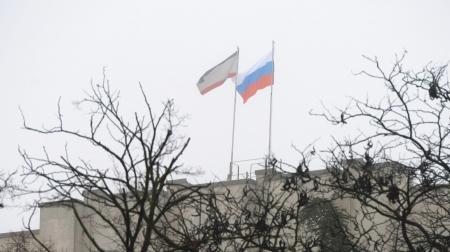 В Симферополе идут переговоры с захватчиками правительственного здания