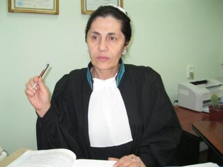 В Актау осужденный за коррупционное преступление таможенник выплатит государству более пяти миллионов тенге