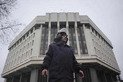 Парламент Крыма попросил Путина принять полуостров в состав РФ