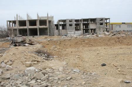 В Актау дольщики «Заветной мечты-2» восемь лет не могут получить свое жильё, но платят за коммунальные услуги