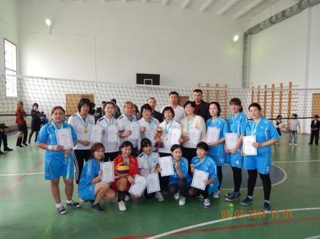 В Мунайлы прошли соревнования по волейболу в честь женского праздника