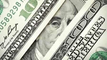 Советник Путина: РФ в случае санкций против нее откажется от доллара