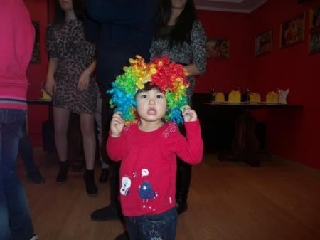 В Актау воспитанниц детского дома поздравили с наступающим 8 марта