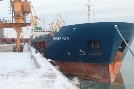 Сегодня из порта Актау отправится в путь первый казахстанский сухогруз