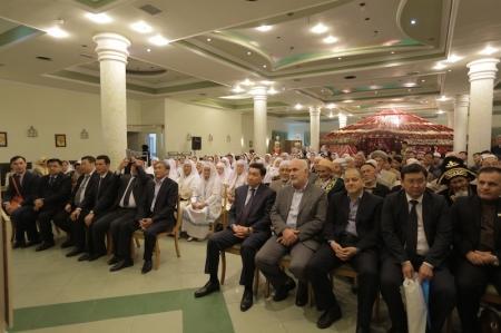 Аким Мангистауской области встретился с казахской диаспорой в Иране