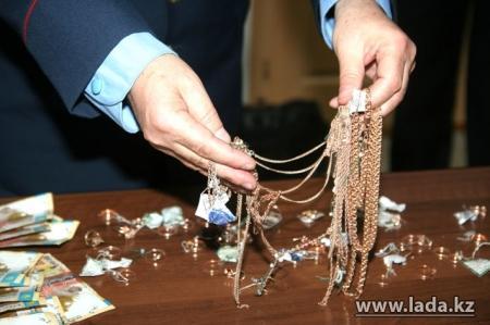 В Мангистау перед праздниками совершено больше десяти краж ювелирных изделий