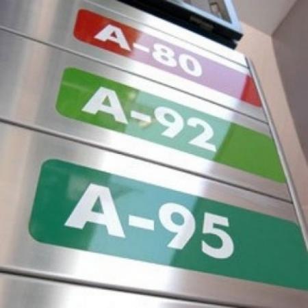 Казахстан может столкнуться с дефицитом бензина уже в апреле