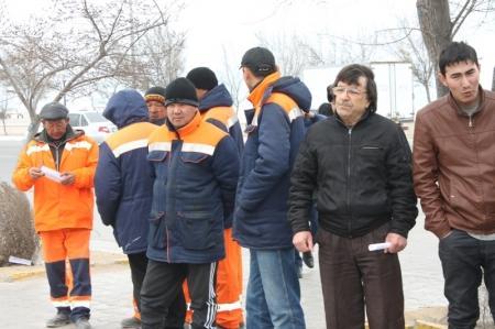 В Актау прошла очередная акция «Приемная на дороге»