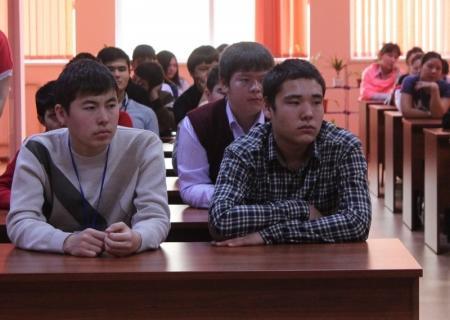 В Актау представители ювенальной полиции повышали правовую грамотность студентов колледжей