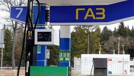 Все автомобили в Казахстане нужно перевести с бензина на газ