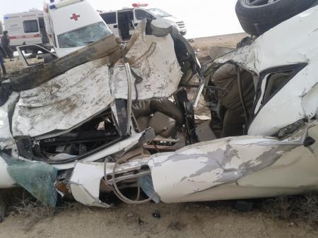 На трассе Актау-Жанаозен столкнулись Lexus и карета скорой помощи