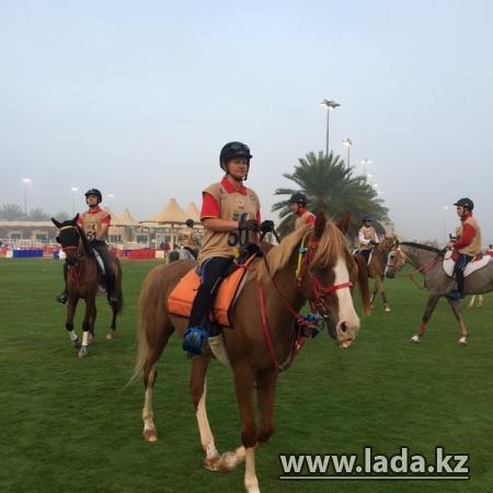 Команда Казахстана на адайских скакунах вошла в десятку лучших на международных соревнованиях в Дубае