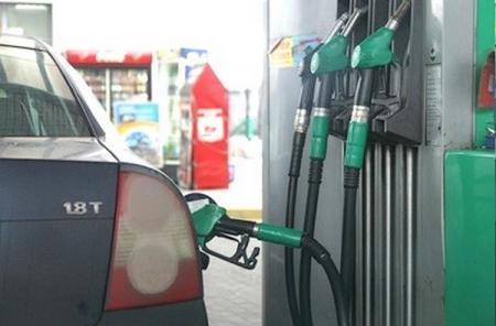 Бензин не будет дорожать до середины года