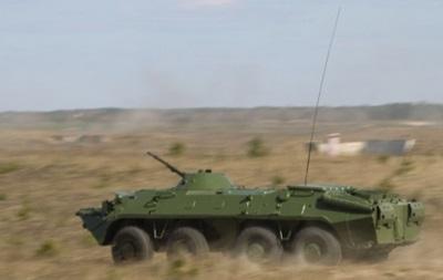 В Луганск ввели военную технику - СМИ