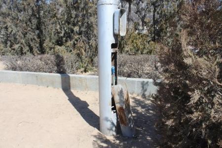 Опоры уличного освещения в Актау могут представлять угрозу для жителей
