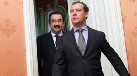 Медведев позвонил Кариму Масимову