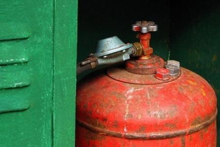 В Мангистауской области три человека отравились газом
