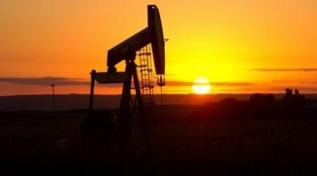 Решение США по обвалу цен на нефть скажется на Казахстане - эксперты