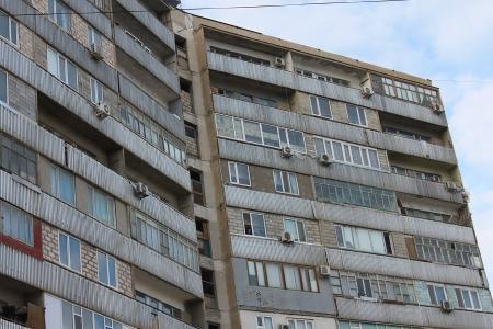 Сагынгали Амангельдиев: В Актау порядка 20 квартир ни на кого не зарегистрированы