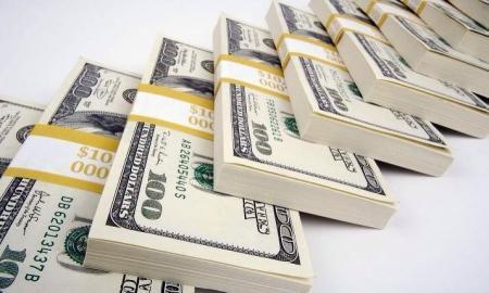 Сразу после девальвации в РК завезли 4 самолета валюты