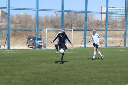 В Актау состоялся третий тур чемпионата области по мини-футболу среди ветеранов