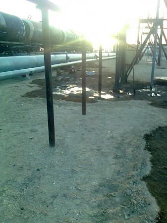 На промзоне Актау разлито около 70 тонн мазута