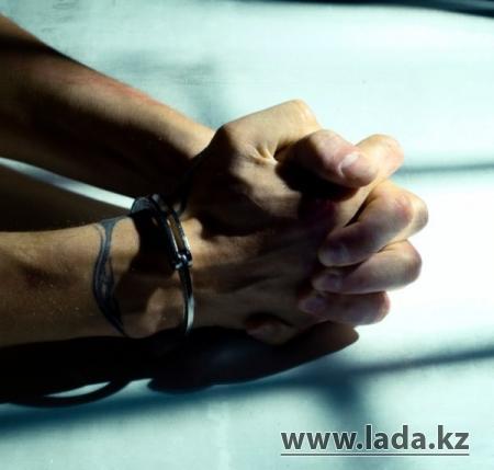 В Актау по подозрению в изнасиловании молодой женщины задержан житель 26 микрорайона