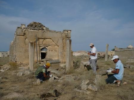 Свой профессиональный праздник мангистауские археологи отметили субботником