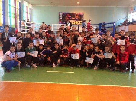 На региональном первенстве в Уральске мангистауские боксеры завоевали 17 медалей