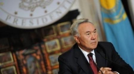 Назарбаев: Межэтнические отношения - не поле для политических игр