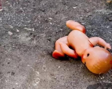 В Шетпе водитель насмерть задавил своего полуторагодовалого сына
