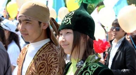 Утверждать график выходных и праздничных дней на год просят правительство казахстанцы