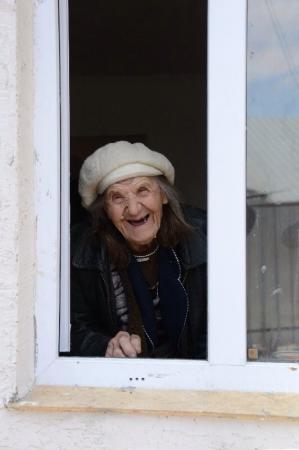 Сердобольные алматинцы своими силами построили дом для 90-летней Надежды Кратько