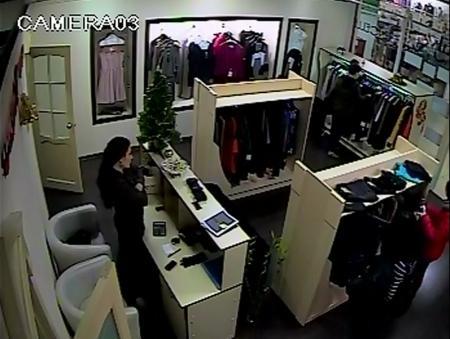 Кража одежды в актауском торговом центре раскрыта с помощью видеозаписи