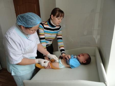 В Актауской детской поликлинике обсудили проблему отказа родителей от иммунизации