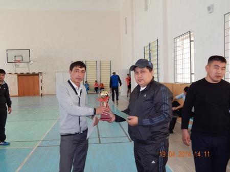 В Мунайлинском районе работники акимата выясняли отношения в спортивном зале