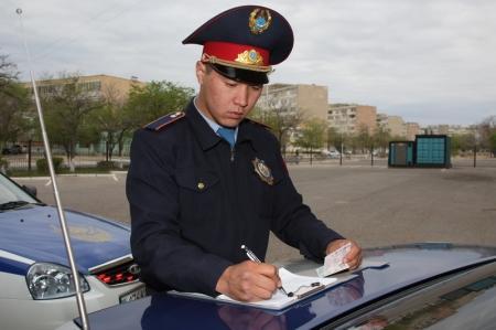 В Актау в выходные дни оштрафованы два водителя инкассаторских автомобилей