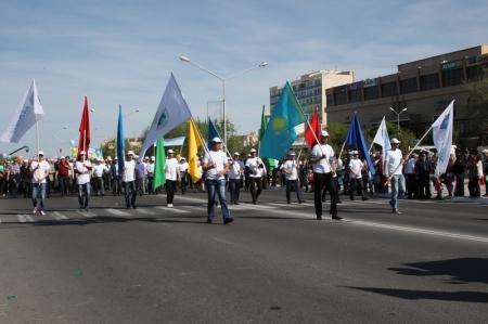 В Актау прошел парад, посвященный Дню единства народа Казахстана