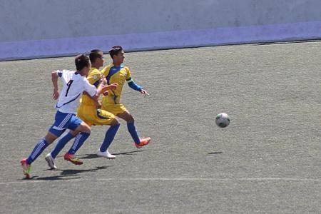 В Актау стартовал международный турнир по футболу памяти Сарсенбека Кельджанова