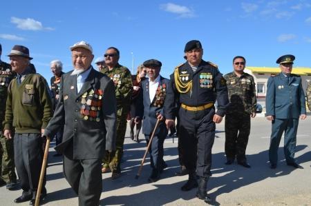 Морские пехотинцы Актауского гарнизона чествовали ветеранов войны