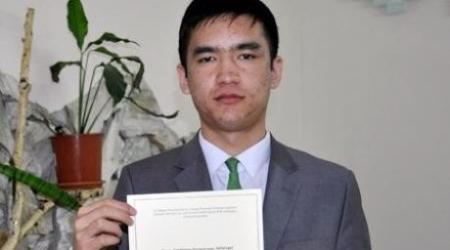 Школьник из Казахстана будет разрабатывать программы для Google