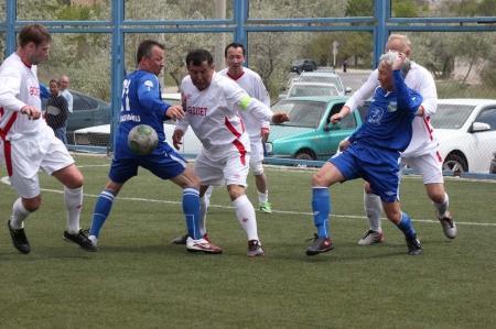 Чемпионом восьмого турнира по футболу среди ветеранов стала команда «Адилет»
