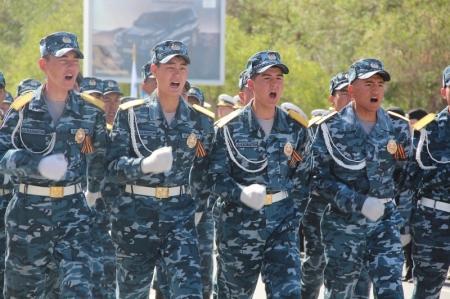 В Актау прошел конкурс строевой песни среди воинских частей