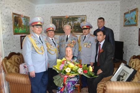Сотрудники Мангистауского ДВД поздравили ветеранов с Днем защитника Отечества и Днем Победы