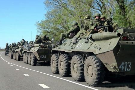 Россия отвела свои войска от границы с Украиной, заявил Путин